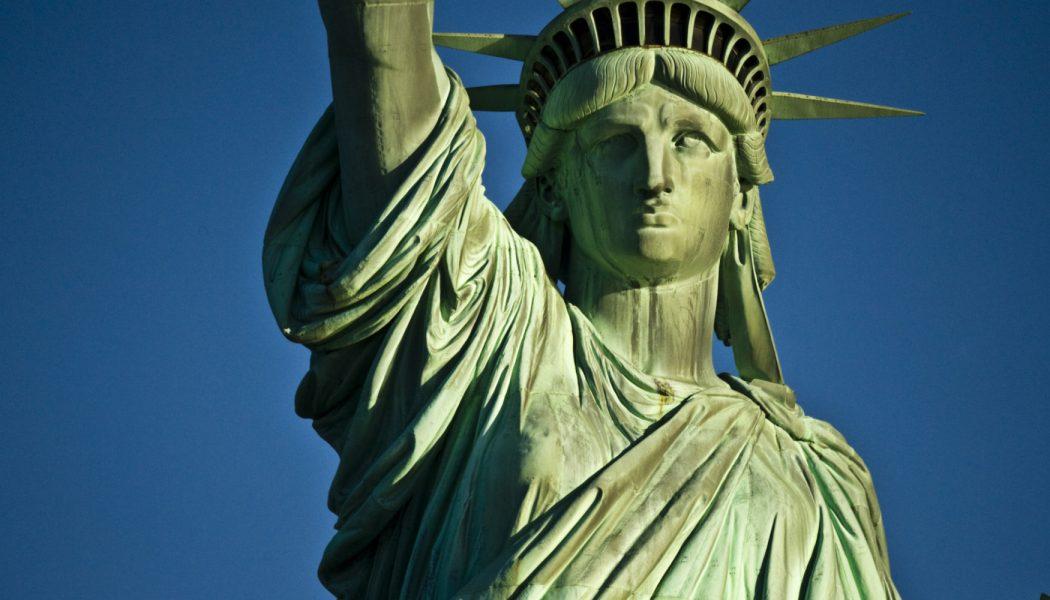 Как найти русскоговорящих и бесплатных адвокатов в США