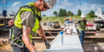 Стокгольм! Ищу подработку: дома, дерево, бетон, крыши!